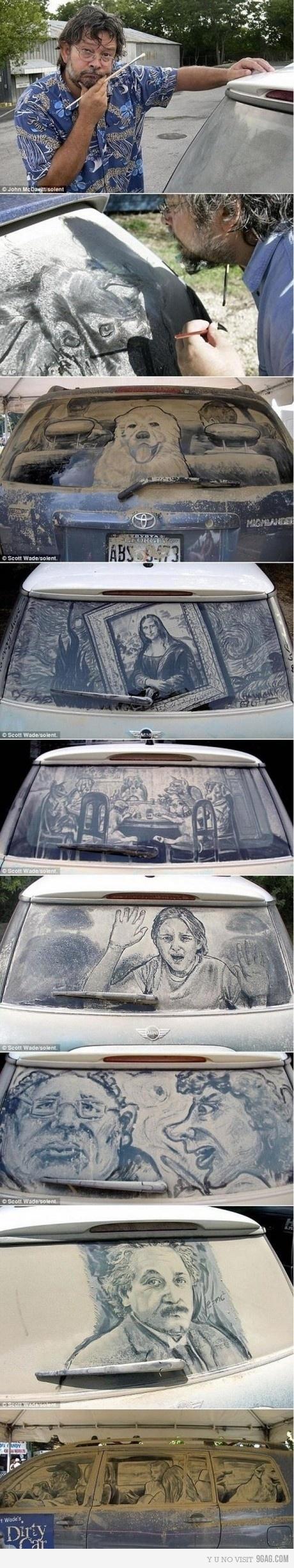 Carro sujo de poeira e desenhado no vidro